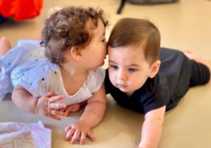 ענבלתנועה | תקשורת שפה ודיבור טרום לידה עד גיל חצי שנה - שני רוזנווסר, קלינאית תקשורת התפתחותית MA